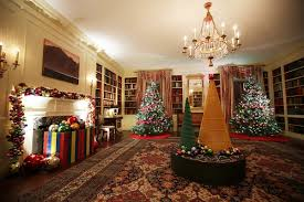 pictures of homes decorated for christmas see the white house u0027s 2016 christmas decorations