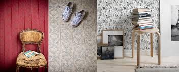 pitturare soffitto imbiancare con il rullo rullo per verniciare con serbatoio