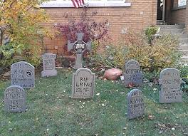 headstone decorations 45 decorations that convert homes into real horror meuseums
