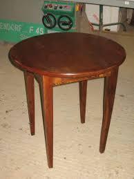 Petite Table De Cuisine Ronde by Petite Table Basse Ancienne En Bois U2013 Phaichi Com