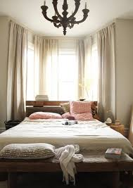 How To Put Curtains On Bay Windows Best 25 Bay Window Drapes Ideas On Pinterest Bay Window Curtain