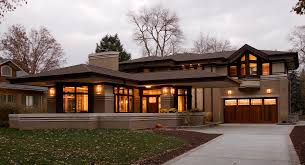 frank lloyd wright inspired home with lush landscaping frank lloyd wright style house plans comely building plans online