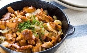 cuisiner les girolles poêlée de girolles recettes cuisine française