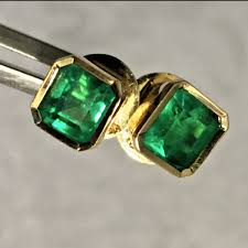 best earrings stunning emerald stud earrings 18k best color