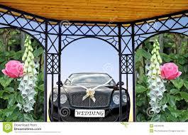photos de pergola de pergola van de huwelijksauto stock foto afbeelding 43546538