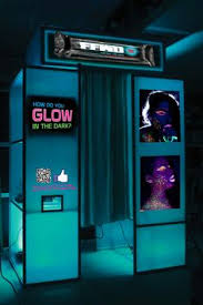 Glow In The Dark Party Decorations Ideas Neon Glow In The Dark Sweet 16 Party Theme Ideas Neon Glow