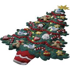 merry bright tree wall hanging felt applique kit 15