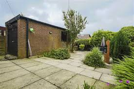 2 bedroom detached bungalow for sale in icconhurst close baxenden