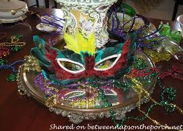 a mardi gras brunch table setting tablescape