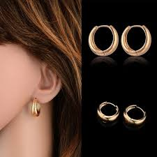 small gold hoop earrings 28 best small gold hoop earrings images on gold hoops