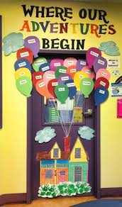 i this uplifting classroom door display with student names