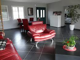 chambre gris et rouge tapis de salon rouge et gris déco salon rouge et taupe déco