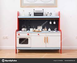 faire une cuisine pour enfant jouer les ustensiles de cuisine et jouets pour enfants faire de la