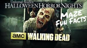 halloween horror nights fear pass the walking dead wolves not far at halloween horror nights 2015