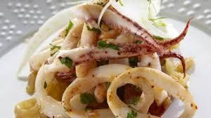 comment cuisiner le calamar recette calamar à la plancha fenouil et chorizo recette calamar