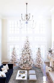 White Christmas Tree With Red And Gold Decorations Best 20 White Christmas Tree Decorations Ideas On Pinterest