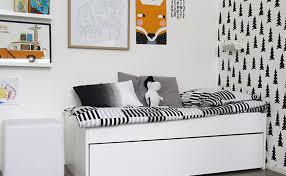 chambre fille noir et blanc une chambre pour enfant en noir et blanc shake my