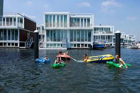 Floating Houses Floating Houses Are The New Thing In Amsterdam