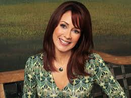 hair styles for deborha on every body loves raymond debra everybody loves raymond wallpaper 23199529 fanpop