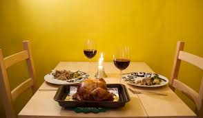 small space thanksgiving dinner tips apartments