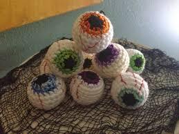 yarni gras crochet eyeball pattern freebie
