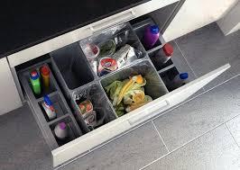 range tiroir cuisine cuisine amenagement tiroir interieur schmidt calvicienuncamais info