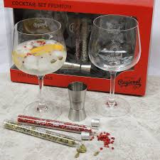 cocktail set premium gin cocktail set by pure spain notonthehighstreet com