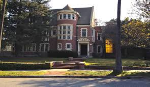 airbnb mansion los angeles airbnb american horror story murder house listing mysteriously