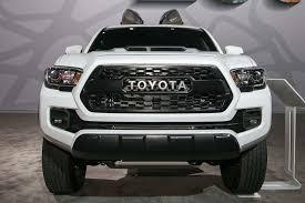 toyota tacoma interior 2017 auto showdown 2017 chevrolet colorado zr2 vs 2017 toyota tacoma