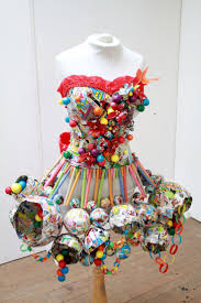 Home Decor Made From Recycled Materials by Best 25 Paper Dresses Ideas On Pinterest Paper Clothes