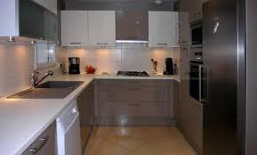 cuisine boulogne billancourt déco cuisine blanc avec mur taupe boulogne billancourt 77