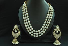 elegant pearl necklace images Elegant pearl necklace with assorted pearl earrings reeti jpg