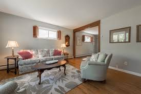 Living Room Song Benjamin Moore Silver Song Paint The Town Red Or Maybe Your