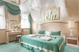 Bed Designs For Newly Married Rooms At Hotel Green Garden Hotel Accommodation Prague