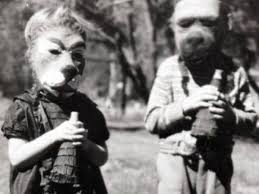 vintage halloween costumes that are totally terrifying page 4