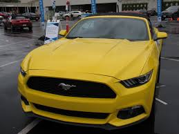 mustang vs dodge challenger ford mustang ecoboost vs dodge challenger hemi v8 is this a