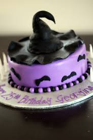 Spooky Halloween Cake Halloween Birthday Cake With Witches Hat And Bats Backen