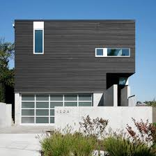 robert hutchison u0027s cantilever house projects towards seattle harbour
