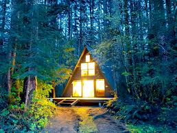 tye haus a cozy a frame cabin set among the woods of skykomish