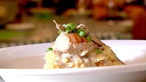 cuisiner perdrix perdrix sauce crémeuse aux chignons et purée de pomme de terre