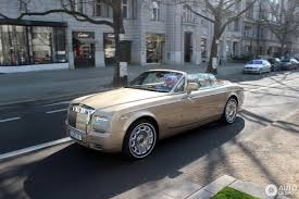 gold phantom car rolls royce phantom drophead coupé series ii 1 april 2017