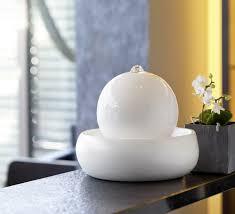 design zimmerbrunnen stilvolle zimmerbrunnen fürs wohnzimmer trendomat