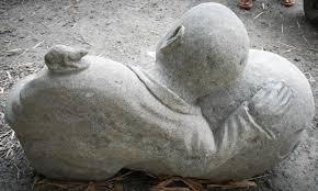 statues de jardin en pierre statue de jardin moine shaolin en pierre volcanique 95 cm