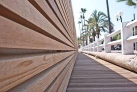 rivestimento listelli legno stabilimenti balneari a cannes francia rivestimento con listelli