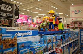 toys r us is staying open for 30 hours of black friday