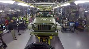 russian jeep ww2 watch the jeep wrangler 75th salute being built in this time lapse