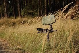 sedere rotto foto gratis sedia vecchio rotto antiquariato immagine gratis