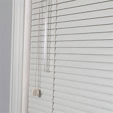 Tan Mini Blinds Mini Blinds The Ultra Versatile Window Treatment 3 Day Blinds