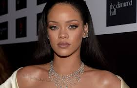 rihanna u0027s response to her body shamers is perfect of course glamour