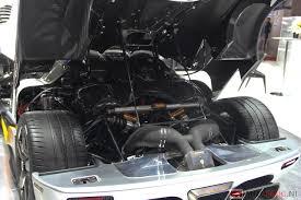 koenigsegg one 1 engine koenigsegg one 1 zweedse megacar met 1 360 pk autoblog nl